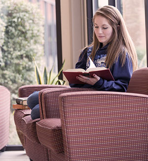 Warner Pacific College student studying