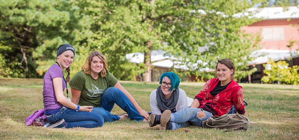 Group of Warner Pacific students on the lawn