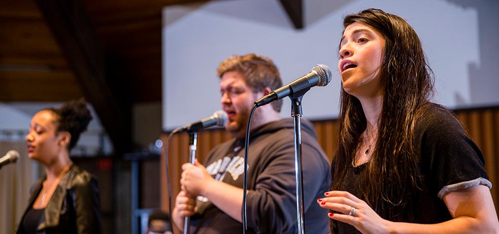 Warner Pacific music ministries major - worship team singing