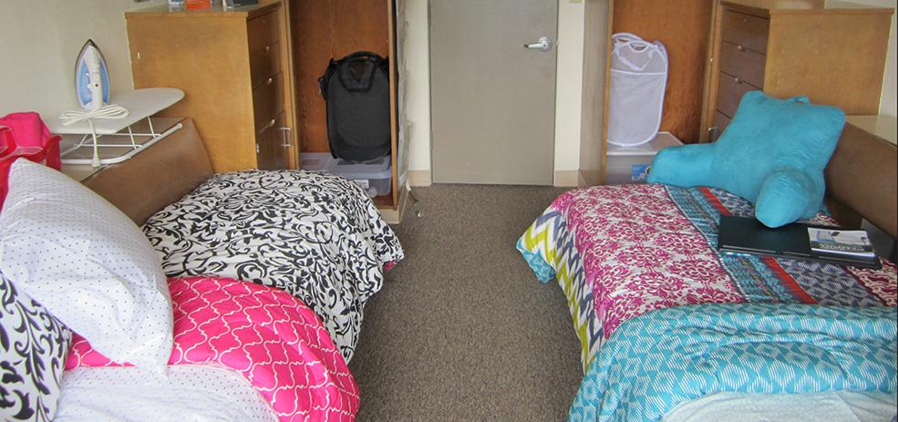 Warner Pacific dorm room