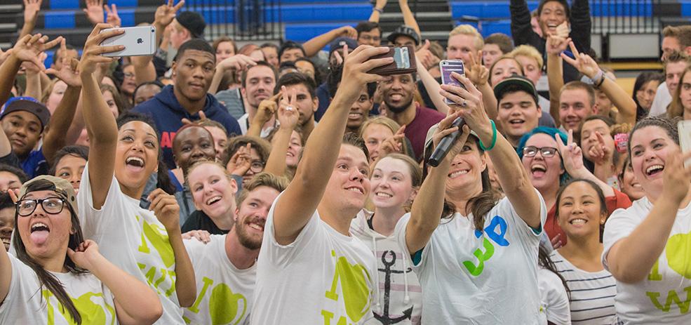 Warner Pacific students taking group selfie at Welcome Weekend