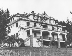 Warner Pacific's Old Main Building (Historical Photo)
